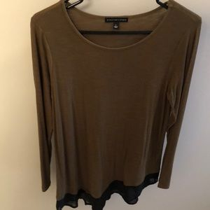 Green long sleeve top with black trim